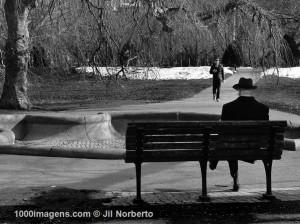 anciano-en-el-parque