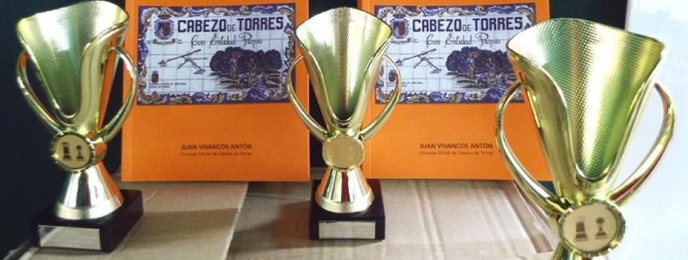 NUEVA DONACIÓN DE LIBROS DEL CRONISTA OFICIAL DE CABEZO DE TORRES